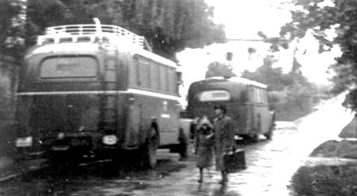 B 10 Grauer Bus 18..jpg