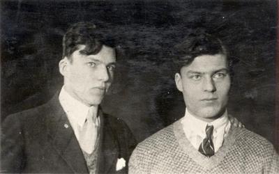 Berthold und Claus Graf Stauffenberg, um 1925