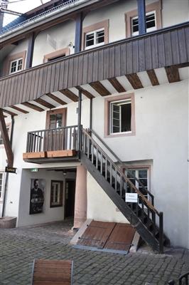 Der Innenhof mit Aufgang zur Ebert-Wohnung