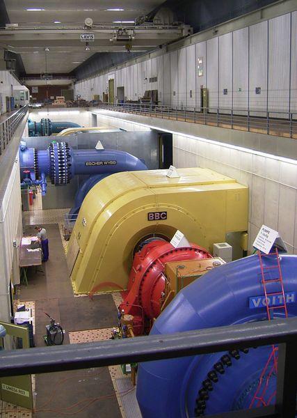 Blick auf einen Maschinensatz im Kavernenkraftwerk Wehr