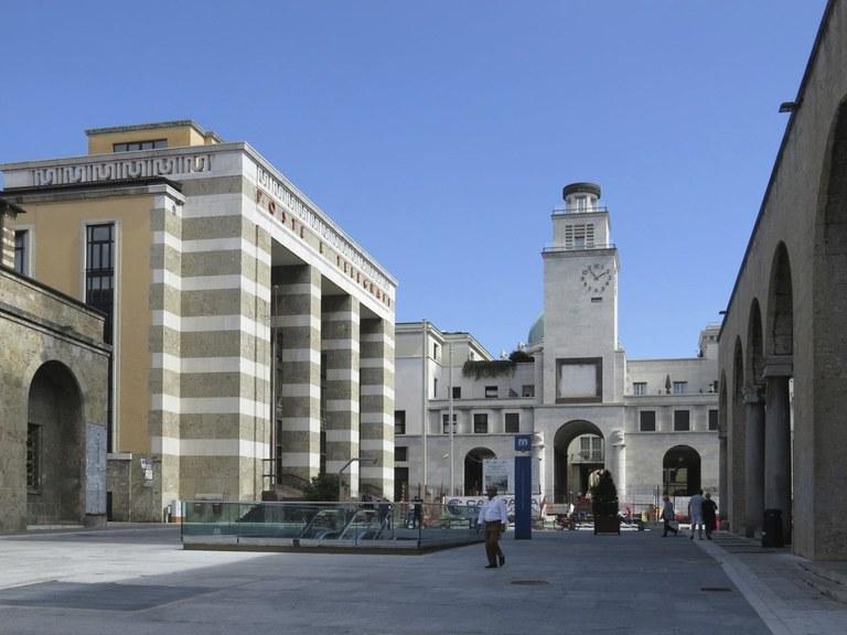 Architettura fascista (Brescia, Piazza della Vittoria)