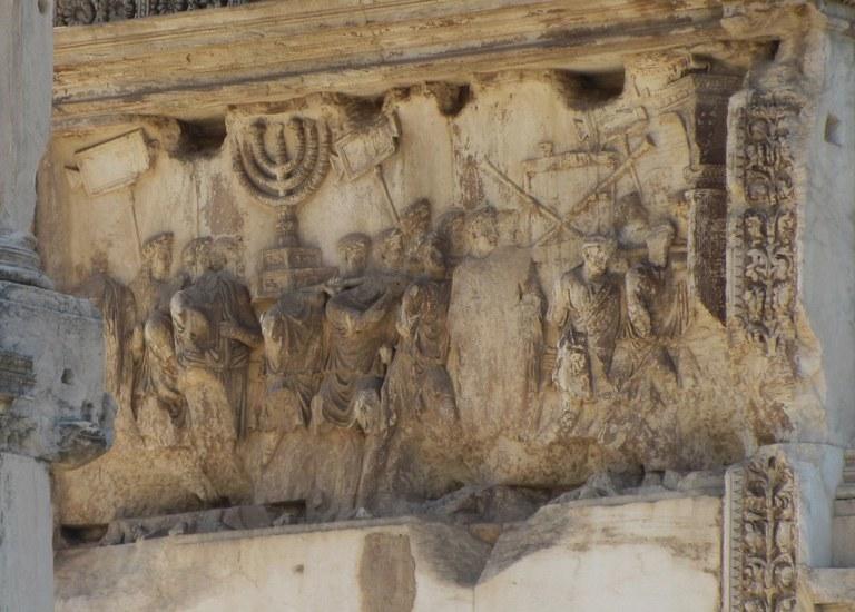 Titusbogen, Relief mit Menora (siebenarmiger Leuchter)