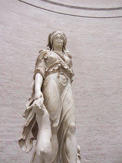 Statue der Artemis
