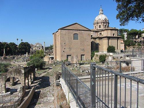 Das spätantike Gebäude der Curia auf dem Forum Romanum