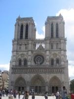 Notre-Dame:  15. April 2021-  Zwei Jahre nach dem verheerenden Brand des geschichtsträchtigen Symbols.