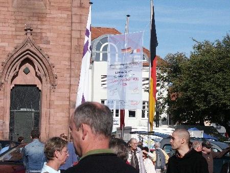Vor der Friedenskirche